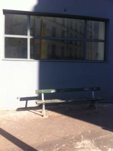 77 ru de la Fontaine au Roi angle rue Morand changer le banc